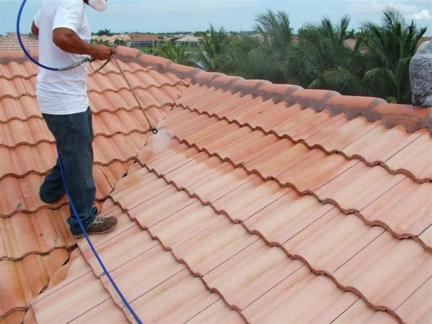 roof pressure cleaning in Miami Dade County
